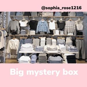 Big mystery box urban outfitters brandy Melville+